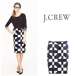 LIKE NEW J. Crew No 2 Pencil skirt- graphic print